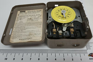 Single-pole-single-throw-electric-timer-switch-cool-old-Montgomery-Ward-piece