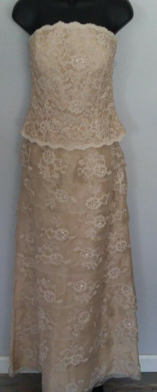 Cinderella's Close Long Formal Mother of Bride Beige Champagne Size 10 Lace