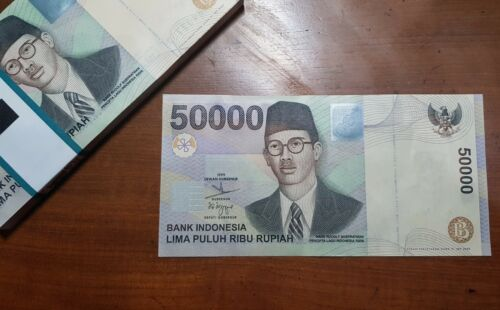 Indonesia 50,000 50000 Rupiah Violin Hologram 1999 UNC