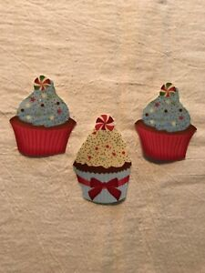 Christmas-Cupcake-With-Touch-of-Glitter-3-Iron-On-Fabric-Appliques