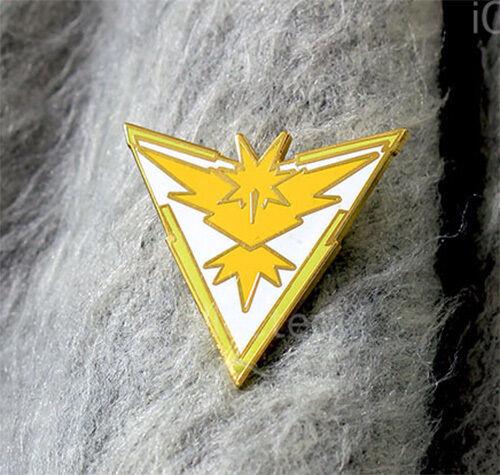 Yellow Instinct Zapdos Gold-Metal Faction Gym Pokemon GO Badge//PinWhite