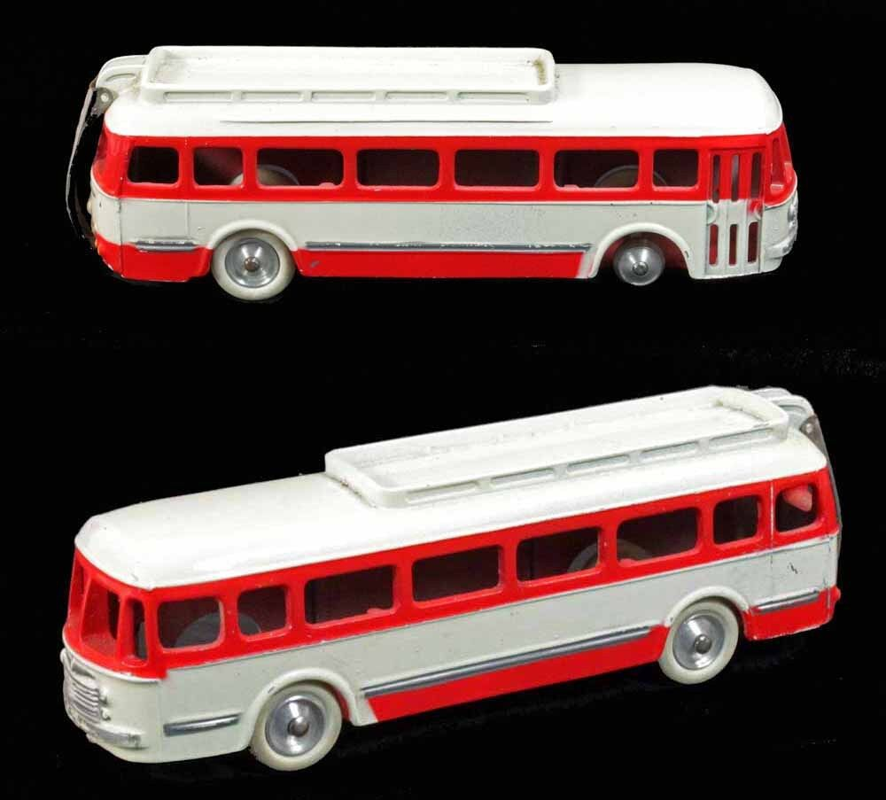 1 / 43 - CIJ CAR RENAULT rot und weiß / Spielzeug antik
