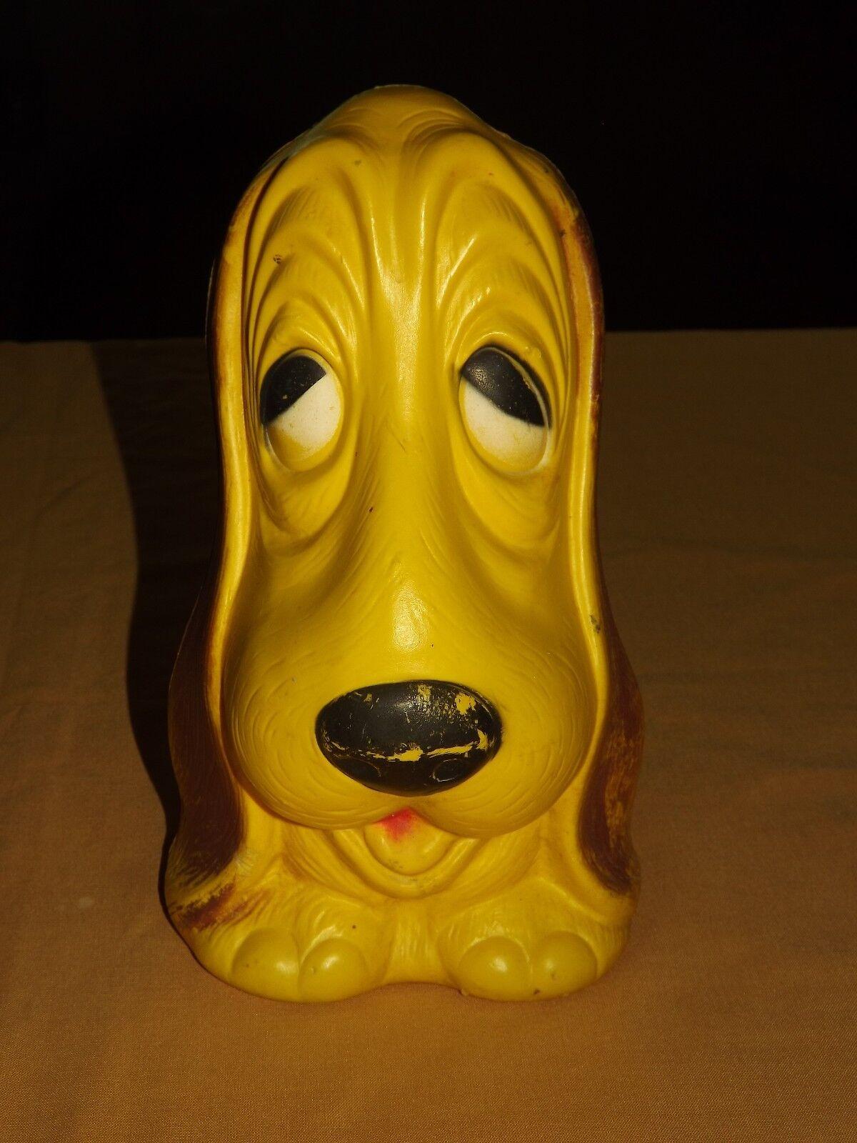 VINTAGE  1978 CAROLINA ENTERPRISES 10  HIGH PLASTIC DOG