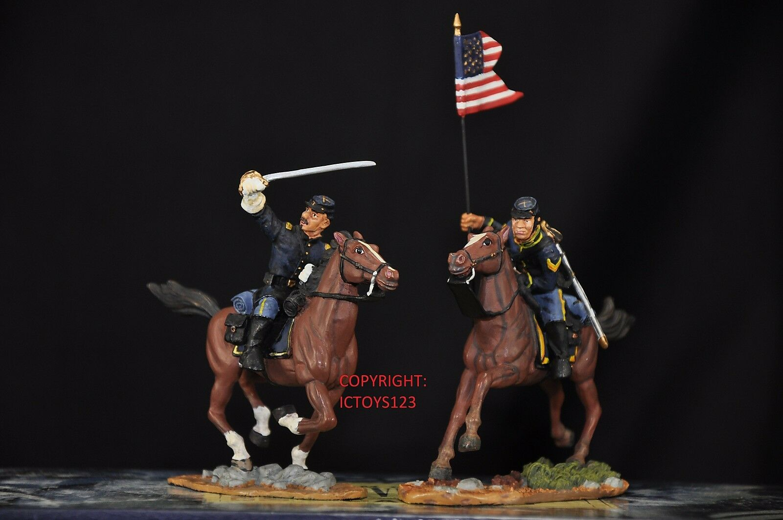 BRITAINS 17371 UNION CAPTAIN + GUIDON BEARER MOUNTED METAL TOY SOLDIER FIGURE