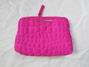 Marc-Jacobs-Cosmetic-Bag-Quilted-Neoprene-Pink-Light-Use