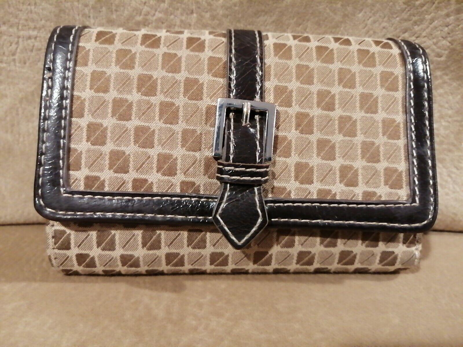 NINE & CO by Nine West Womens Fashion Buckle Zip Cute Folding Wallet Card 5.5
