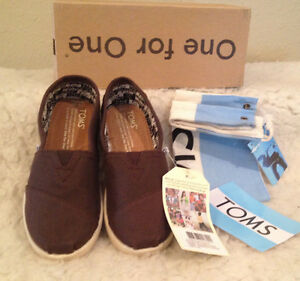 7f31bce331e NWT Toms Youth Classics Chocolate BROWN Canvas Slip-On Boys Girls ...