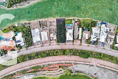 Terreno en Venta en Cancun en Residencial Lagos del Sol a Frente a Lago