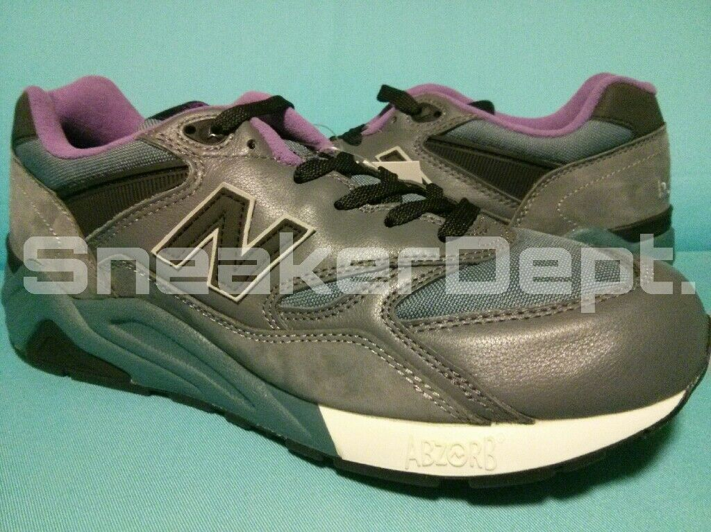 DS 2006 NEW BALANCE M586 GY US11