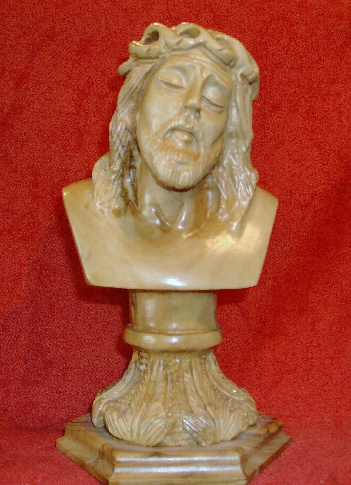 Jesus. Jesus. Jesus.  Olivenholz Höhe ca 20 cm x B x 11 cm. | Lebensecht  3388f5