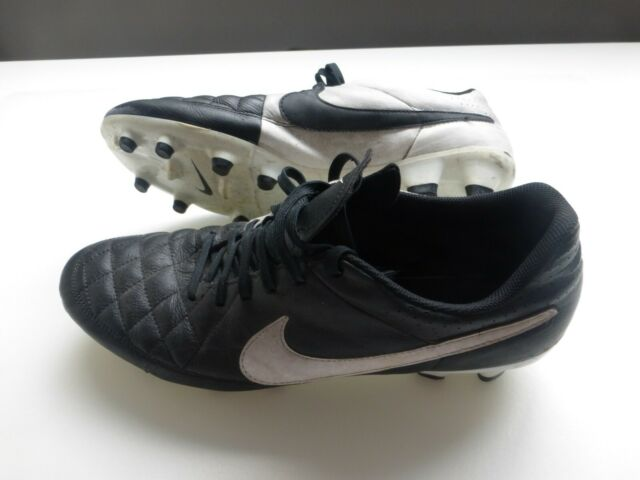 Colleague semaphore Massacre  Nike Tiempo Natural FG Football BOOTS Black & White UK 10 for sale | eBay