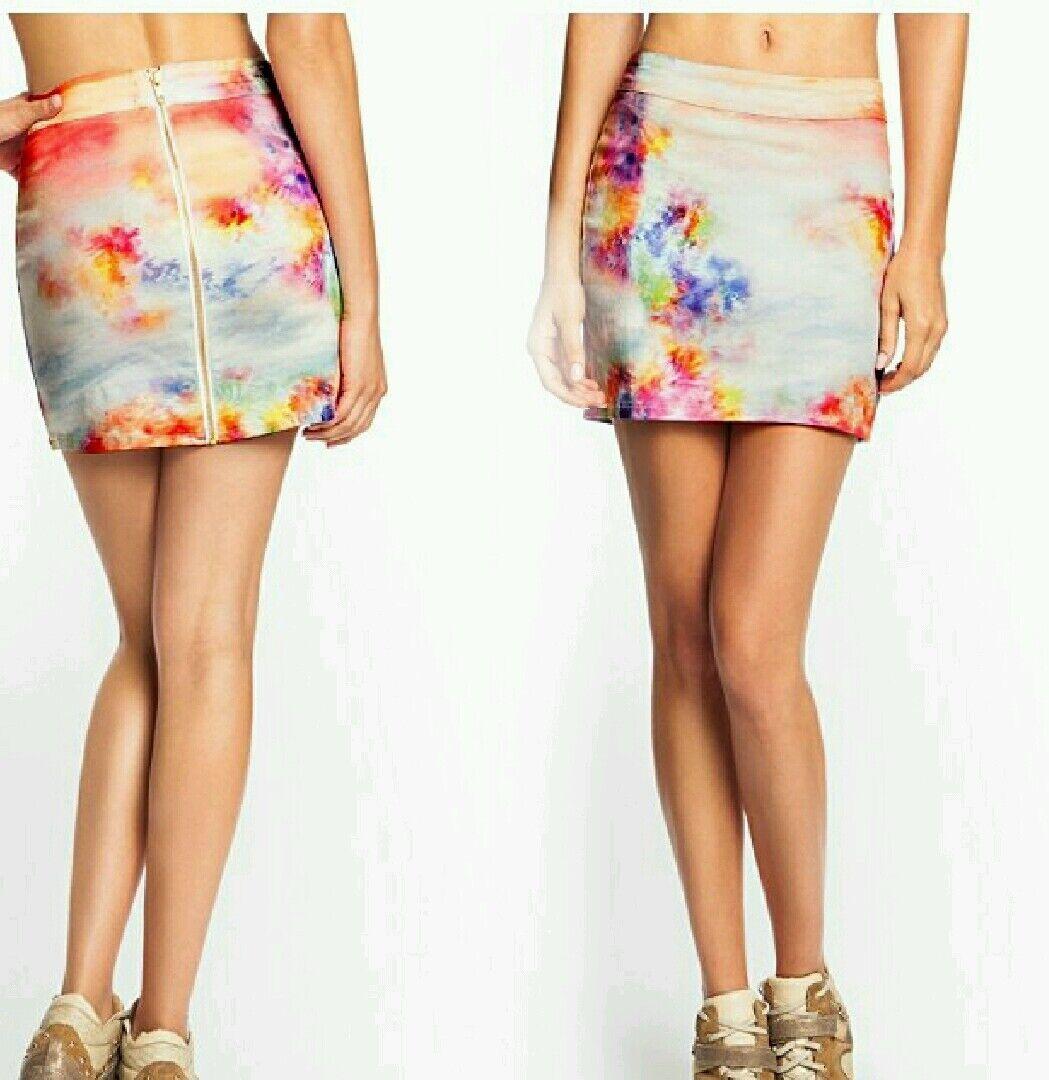 NWT GUESS Digital Printed Mini skirt size 28
