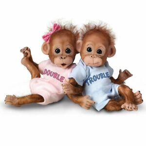 Ashton-Drake-Double-Trouble-Poseable-Baby-Orangutan-Twins-With-Wispy-Hair