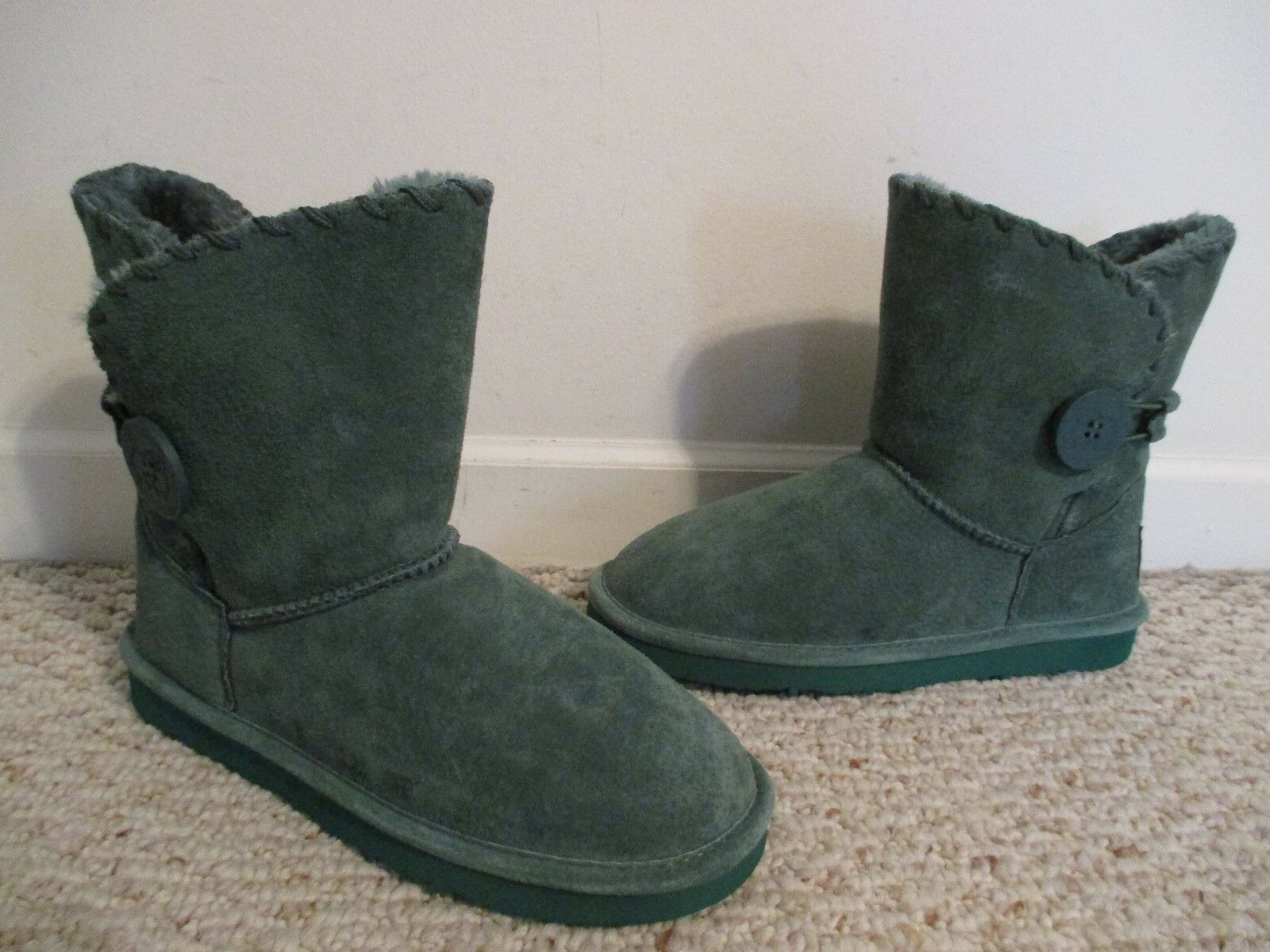 NEW Lamo boots green suede leather button Size 7 faux fur lined