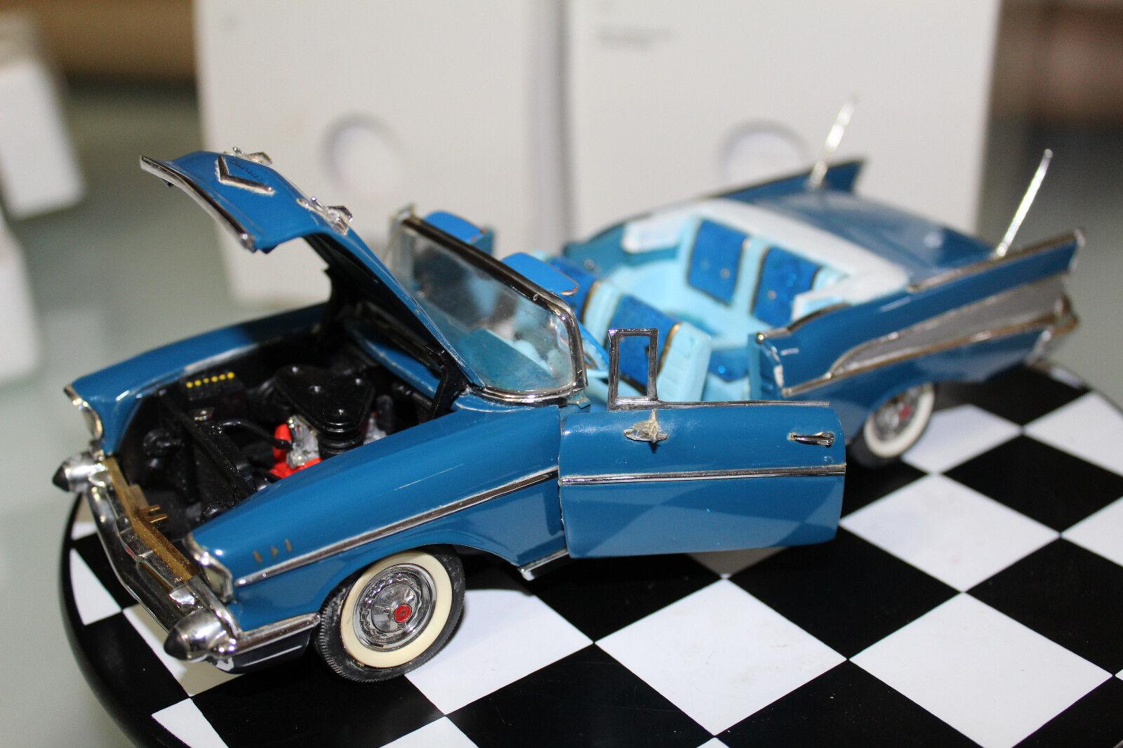 Denbury mentoland 1  24, 1957 Chevrolet Air (azul)