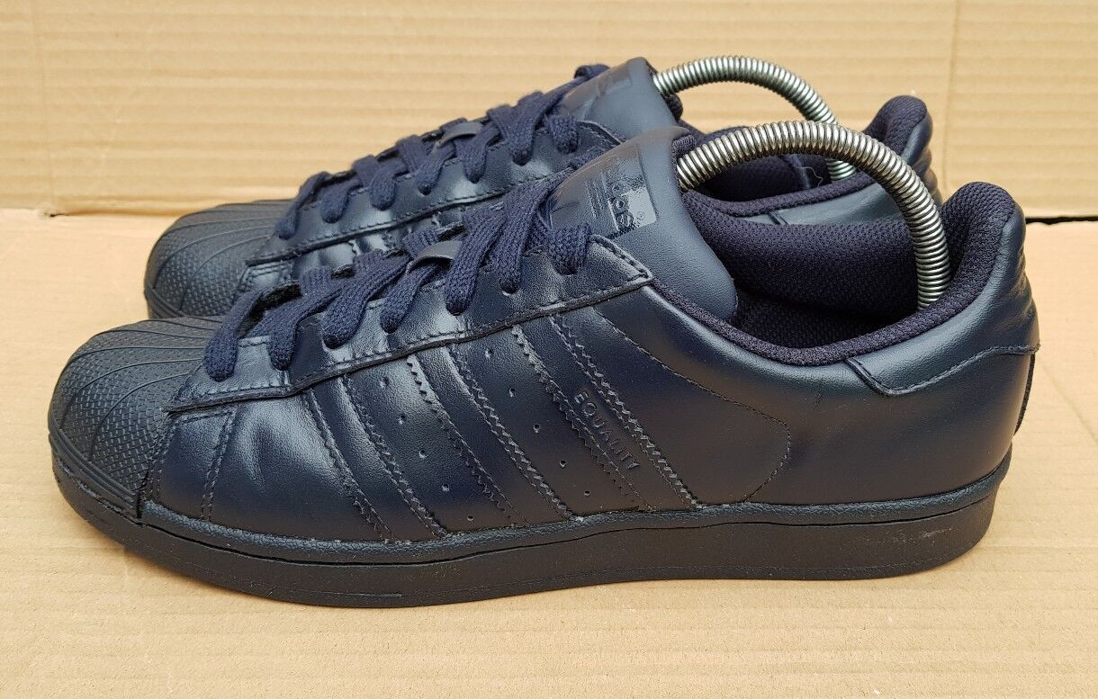 ADIDAS SUPERSTAR PHARRELL WILLIAMS SUPERCOLOUR TRAINERS IN NAVY Blau SIZE 7 UK