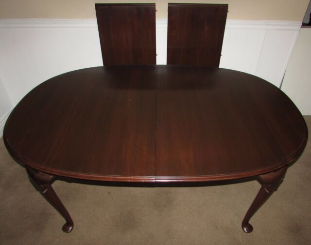 Ethan Allen Georgian Court Collection Cherry Oval Table Queen Anne - Oval cherry wood dining table