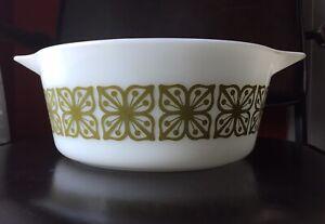 Vintage Pyrex 475-B Green Square Flowers Verde Dish 2.5 Qt