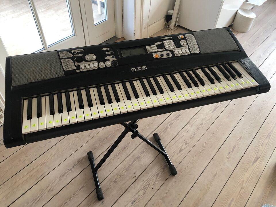 Keyboard, Yamaha PSR-E313