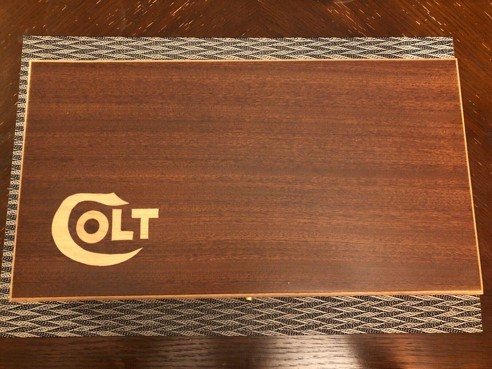 Mano hecha a mano Colt cajas de almacenaje de madera sólida, caso de pistola, caja de presentación Caja de joyería.