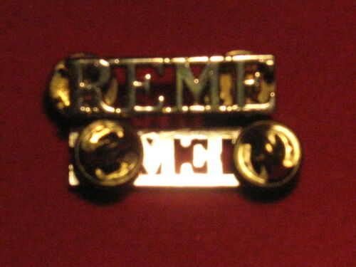 PAIR OF ROYAL ELECTRICAL MECHANICAL ENGINEERS REME SHOULDER TITLE BADGES PINS