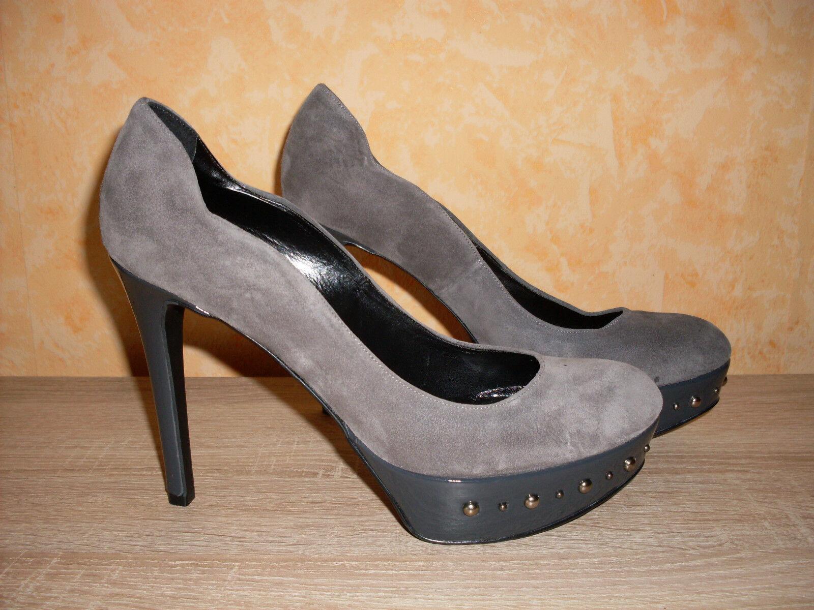 Sexy 12,5cm Plateaupumps NEU Gr. 40 in grau mit Nieten & Veloursleder super heiß