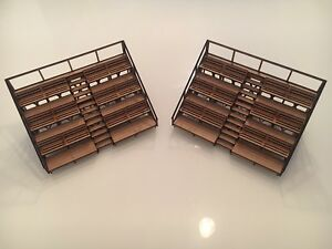 1-32-Scale-Small-Spectator-Stands-Slot-Car-Scalextric-Magnetic-Racing-pair