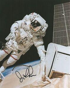 Jerry-Ross-Space-Shuttle-NASA-Astronaut-hand-signed-photo-UACC-COA