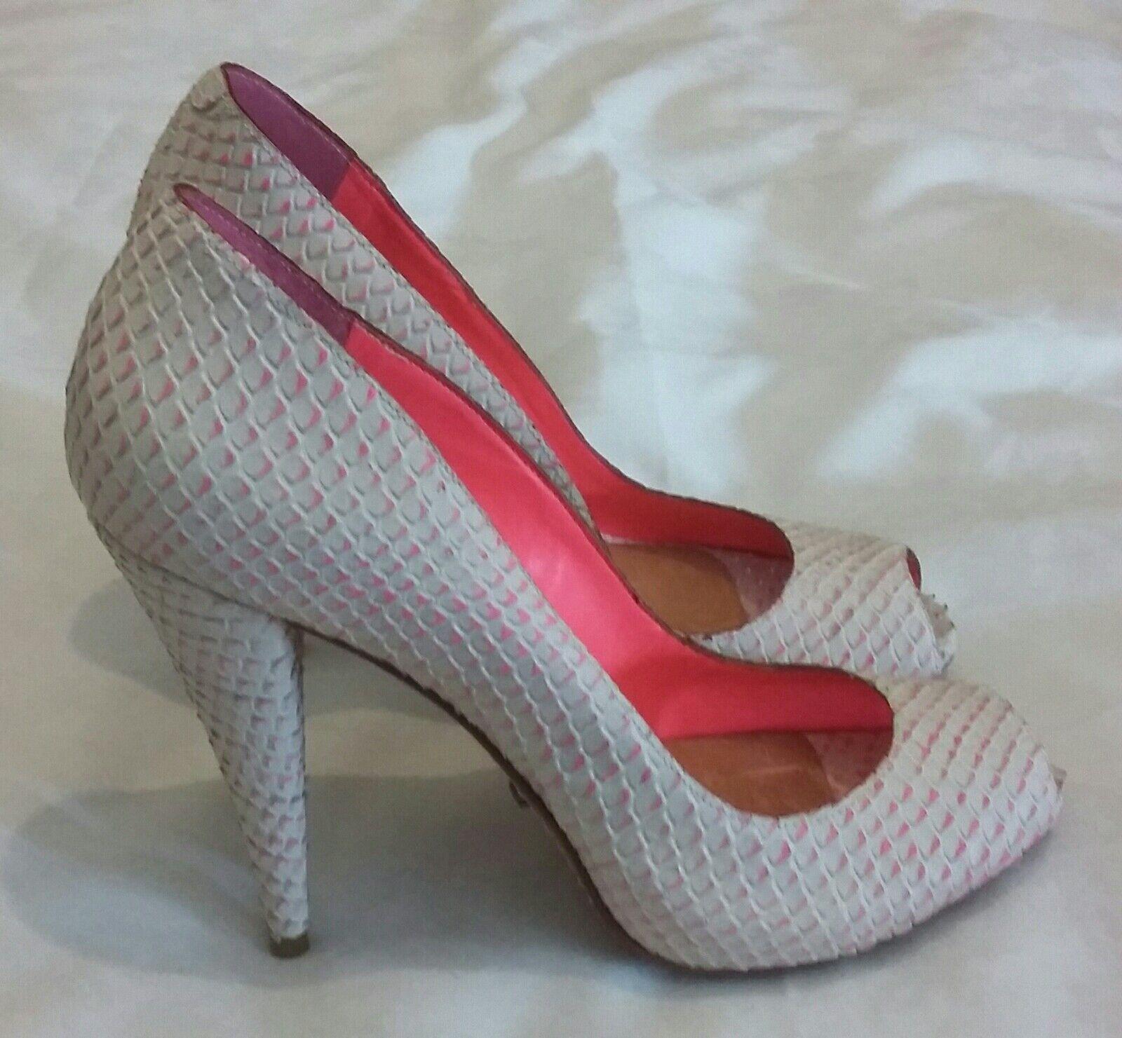 Moda barata y hermosa Schutz parche de cuero en relieve en Bombas Zapatos Tacón Alto Punta Abierta Rosa