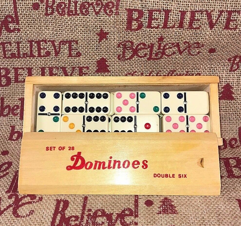 Vtg Double Six DOMINOES In Dovetailed Wood Box Set Set Set 28 COLOROT DOTS Metal Spinner a5a39e