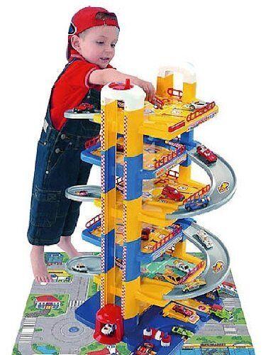 Kinder Molto Autocenter Parkhaus Parkgarage Parktower mit 6 Ebenen Tankstelle