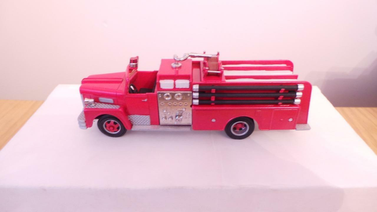 BB149  hobbytown Don Mills rouge OPEN CAB PUMPER-Exc boxed