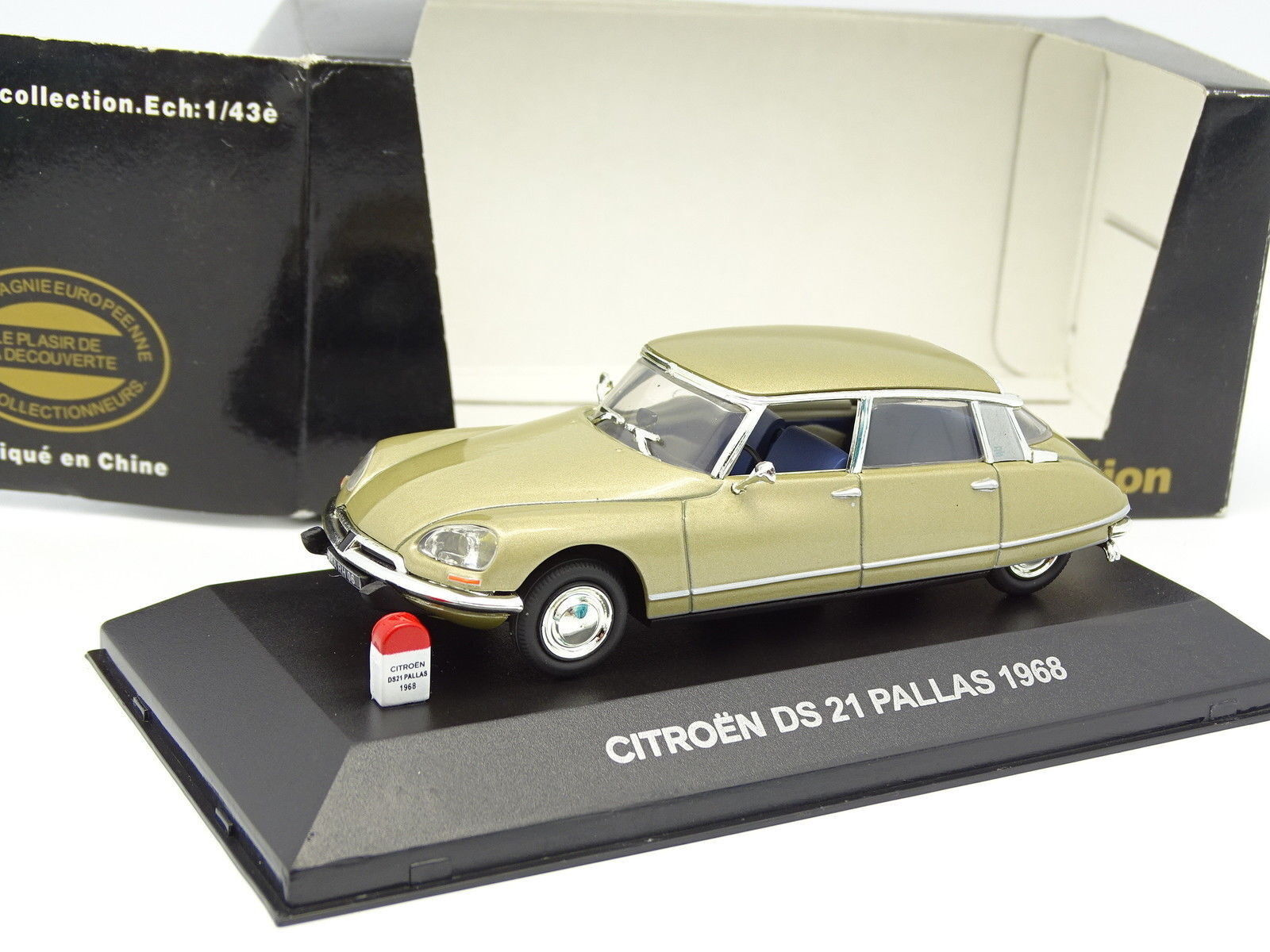 Nostalgie CEC 1 43 - Citroen DS 21 Pallas 1968 Or métal