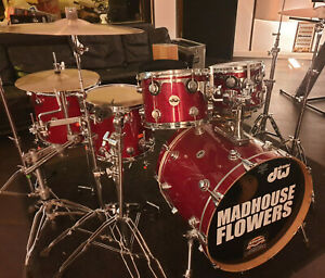 DW Collectors Maple Drumset Red Sparkle Finish Ply Schlagzeug USA Shellset