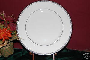 Image is loading 4-Lenox-Serpentine-Platinum-Dinner-Plates-NEW-with- & 4 Lenox Serpentine Platinum Dinner Plates NEW with Tag | eBay