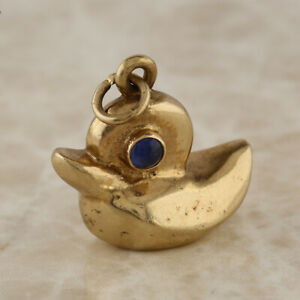 Vintage-Sapphire-Duck-Pendant-Charm-9ct-Yellow-Gold