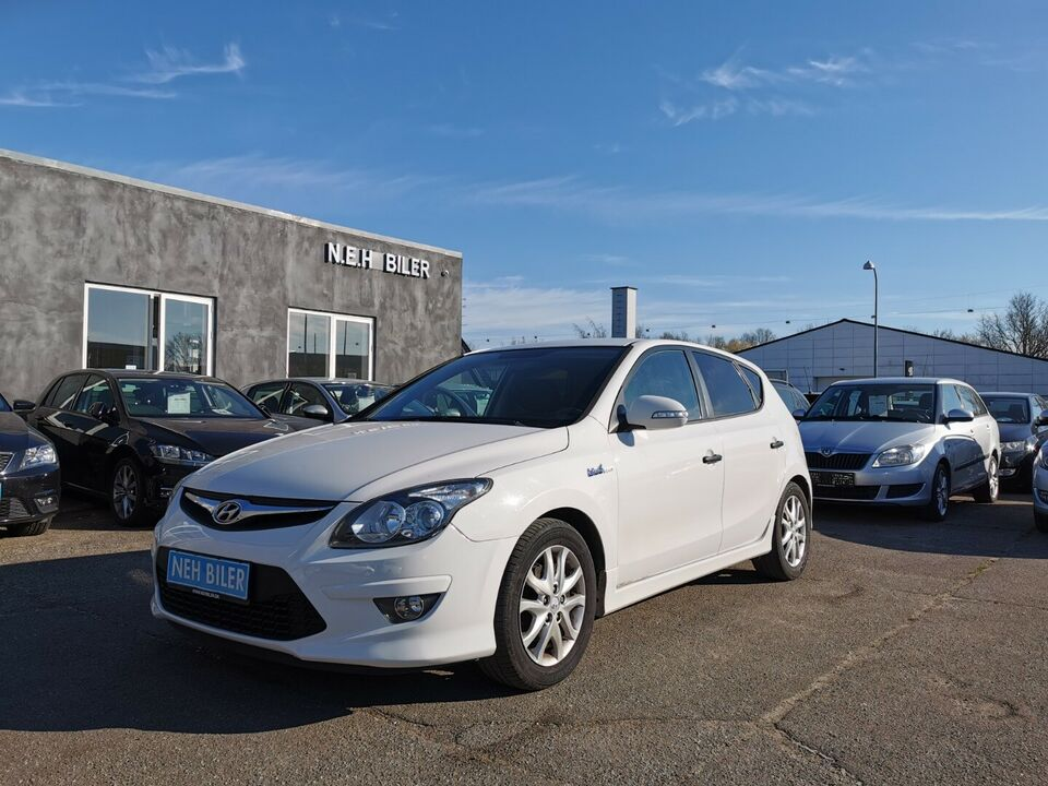 Hyundai i30 1,6 CRDi 90 Comfort Eco Diesel modelår 2011 km