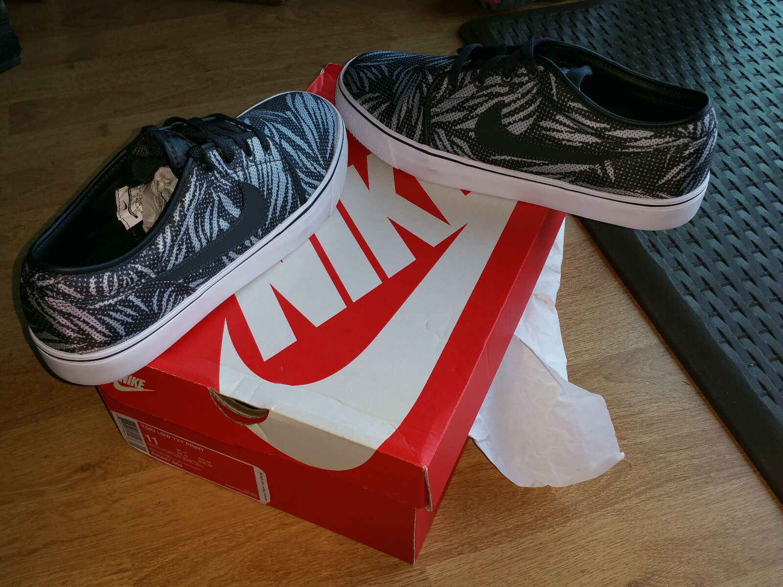 NEW Nike Mens Toki Low TXT Print Print Print Skateboarding Casual Shoes 631697-004 SZ 11 ff197a