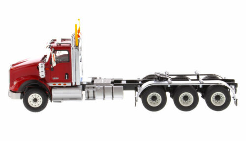 INTERNATIONAL HX620 DAY CAB TRIDEM TRACTOR RED 1//50 BY DIECAST MASTERS 71008
