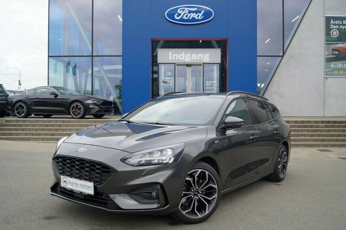 Ford Focus 1,0 EcoBoost ST-Line Business stc.