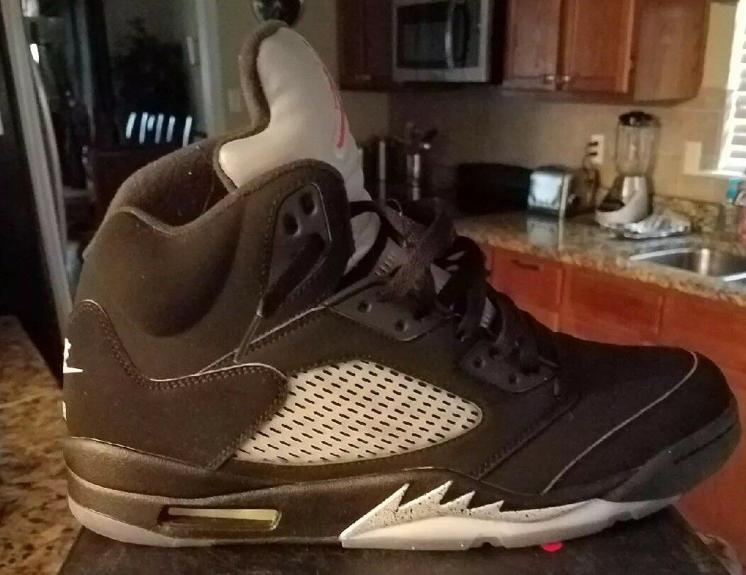 f175c13b8 Man s Woman s Jordan Retro 5 5 5 Black Metallic Silver Selling Beautiful  appearance fine de7732
