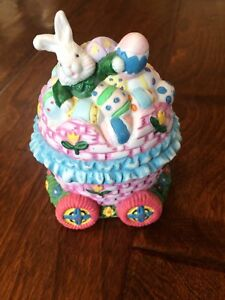 Ceramic-Decorative-Easter-Egg-with-Bunny-on-top-of-wagon-eggs-spring-4-5-034-x-3-034
