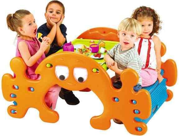tavolo dondolo giardino