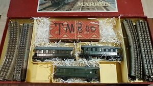 Marklin-echelle-ho-coffret-1-loco-030-TM-8OO-2-voitures-1-fourgon-et-rails