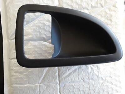 GM OEM Front Door-Handle Bezel Left 15844059