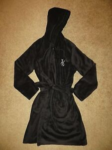6b5635b0eb VICTORIA S SECRET BLACK FLUFFY HOODED PLUSH THE COZY SHORT BATH ROBE ...