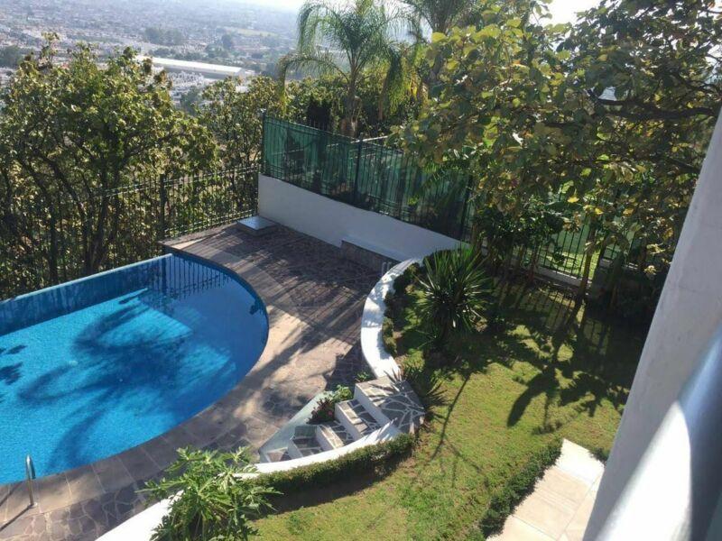 Hermosa casa en venta en Bugambilias