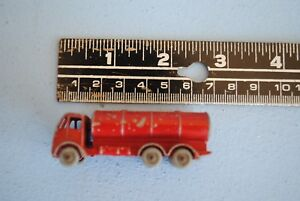 Old-Vtg-11-Grey-Wheel-Lesney-Esso-Petrol-Tanker-Toy-Truck-England-Red-Diecast