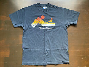 Vintage-Cheyenne-Wyoming-Black-Hanes-Heavy-Weight-T-Shirt-Fits-Men-Small-USA-80s