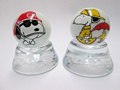 2 MARVIN THE MARTIAN IMAGES ON WHITE COLLECTOR  MARBLES